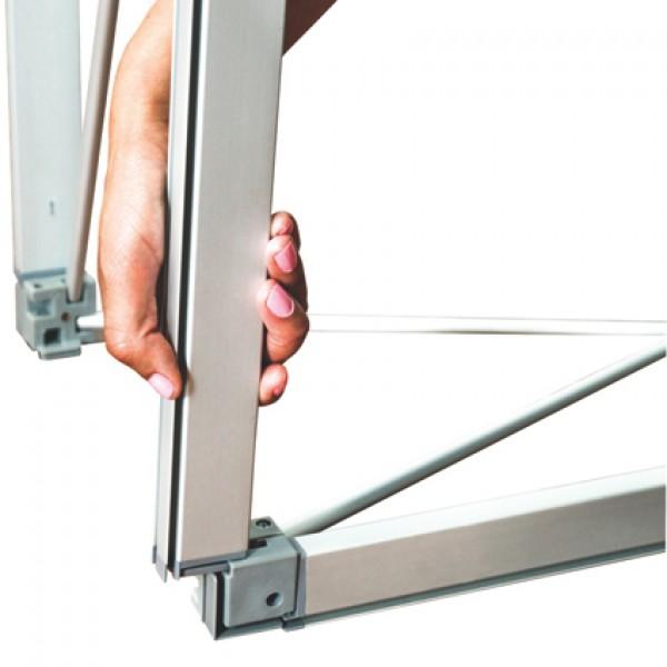 allestimento su profilo di alluminio